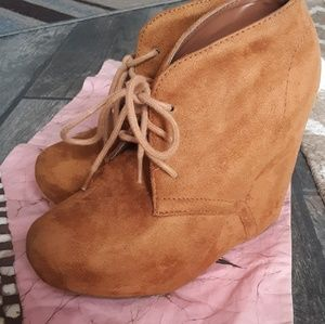 Soda Boho Brown Suede booties size 7 1/2